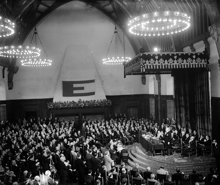 1948-05-09,_the_Hall_of_Knights_at_the_Europa_Congress_in_The_Hague