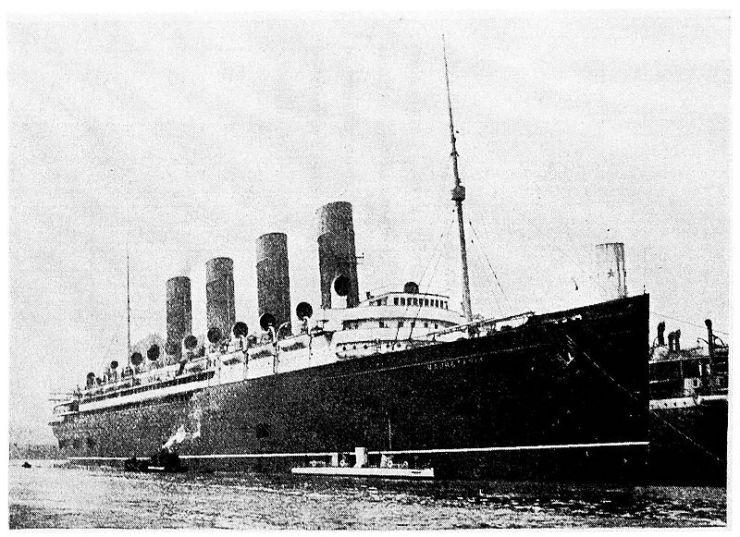 800px-The_Steam_Turbine,_1911_-_Fig_1_-_The_Turbinia_and_Mauretania