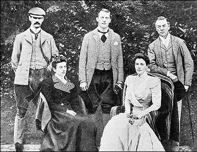 Chamberlain-family-group-Joseph-Austen-and-Neville