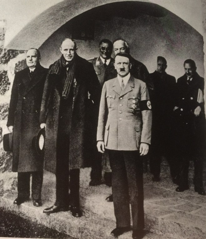 Hitler-19-Nov-1937