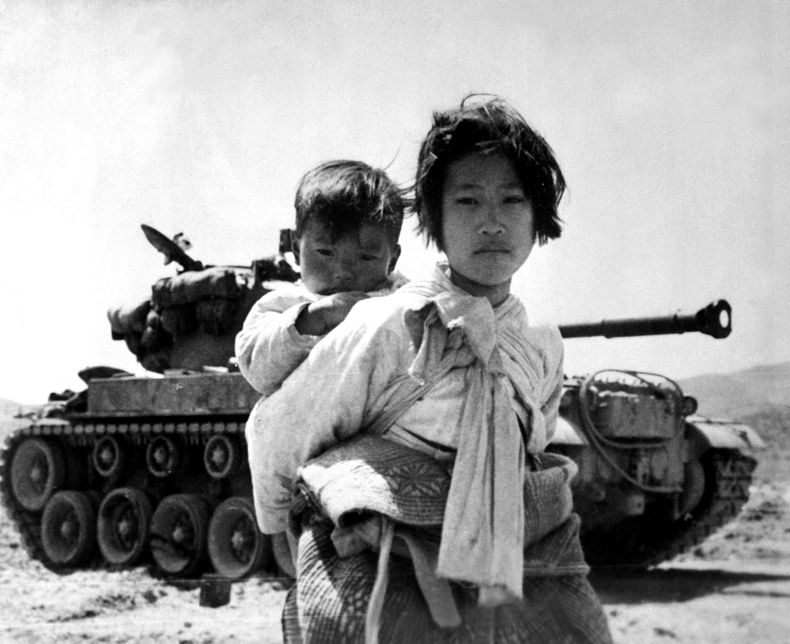 WAR & CONFLICT BOOKERA:  KOREAN WAR/CIVILIANS & REFUGEES